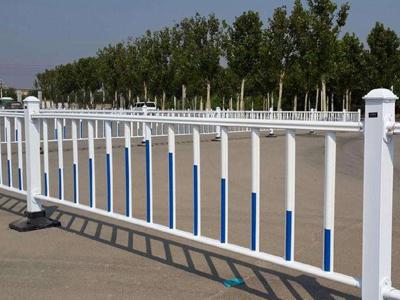 山东锌钢道路护栏